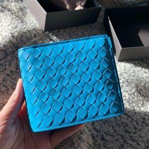 NWT Bottega Veneta Introciato Leather Wallet